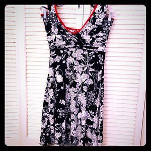 👒NEW👒VTG 90s black/white floral halter dress